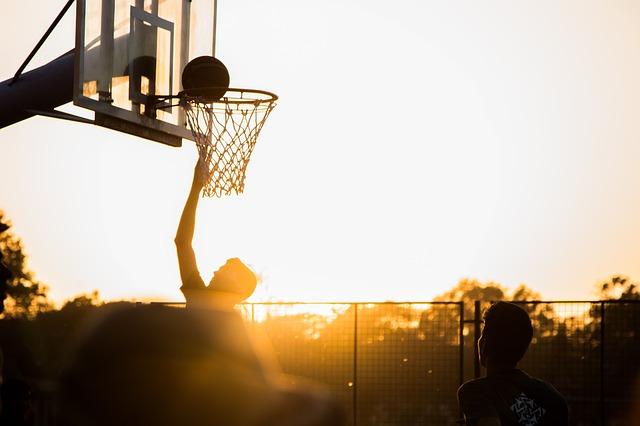 basket za soumraku